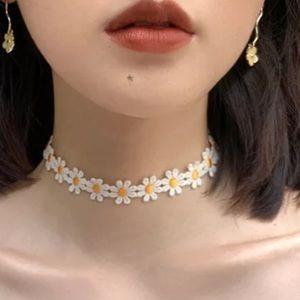 NEW Daisy Lace Fabric Choker Necklace Trendy